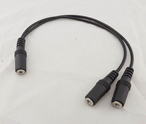 Audio üleminek 3.5mm mini jack (F) - 2x3.5mm mini jack (F)