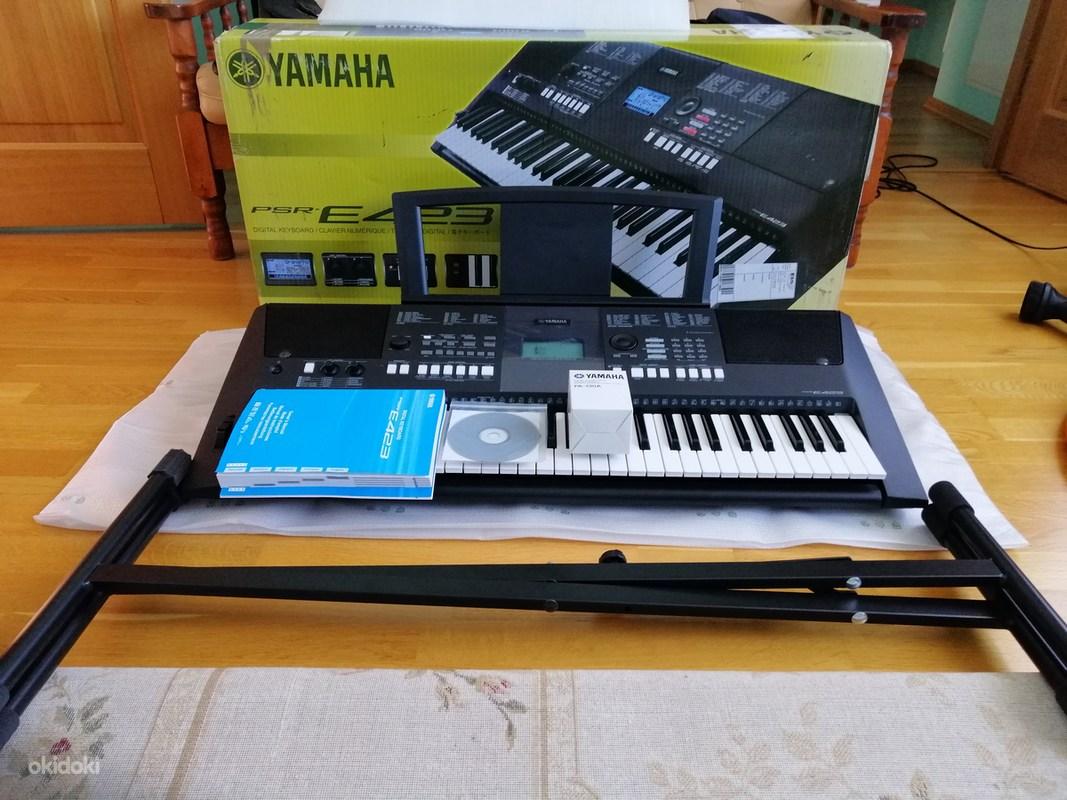 Новый синтезатор Yamaha PSR-E 423 и новый штатив - Tartu - Музыкальные инструменты, Фортепьяно, клавишные купить и продать – okidokiokidoki